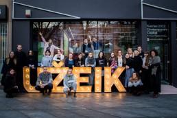 Kaunas 2022 komanda prie pagrindinio ofiso laisvės alėjoje
