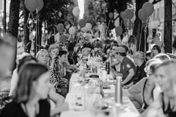 kiemų šventė - valgymas prie bendro stalo